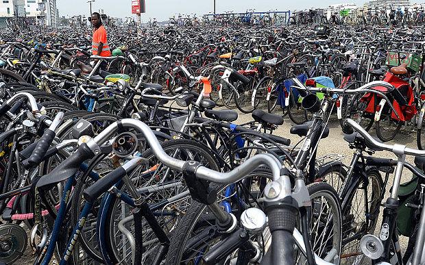 Amsterdam_bicycles_3211298b